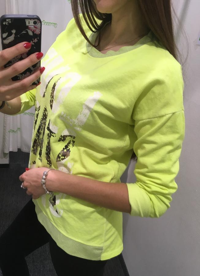 4d02954e3e21 Dámske neónové tričko s nápismi