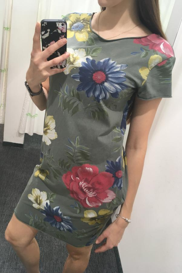 378bec97f3a7 Dámske športové kvetinové šaty s krátkym rukávom