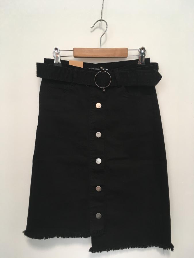 a7d172974448 Dámska čierna riflová sukňa s vysokým pásom na gombíky - M.Sara ...